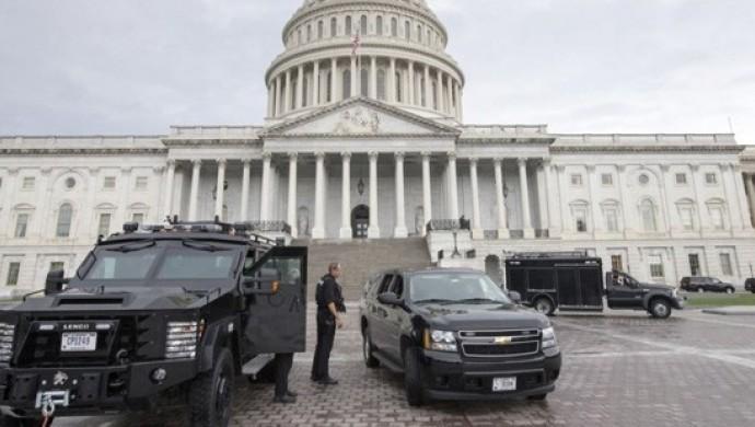ABD Kongre binası güvenlik nedeniyle giriş çıkışlara kapatıldı