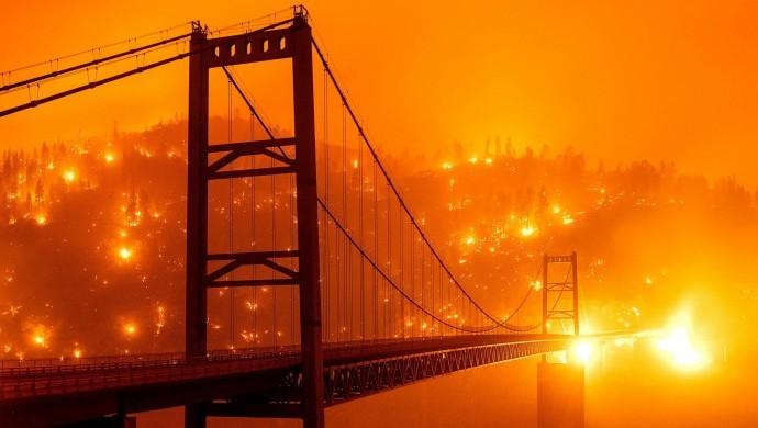 ABD'de yangın bilançosu ağırlaşıyor: 33 ölü