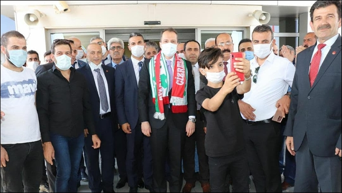 Afganistan'da Kalıcı Barış İçin İstanbul'da Barış Zirvesi Yapalım