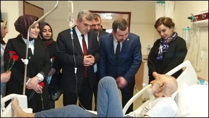 Ak Başkan Adayı Beyazgül'den Hastalara Moral Ziyareti