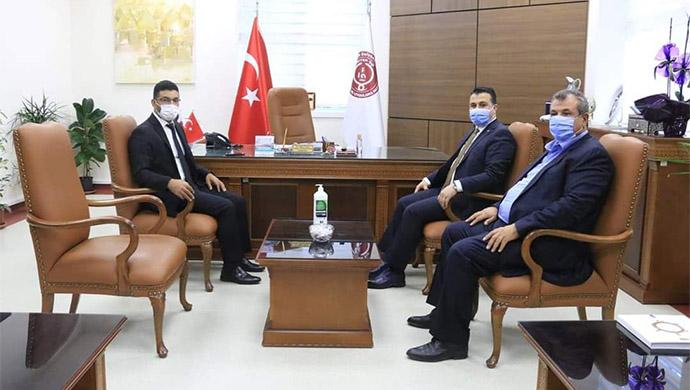 AK Parti'den Başhekim Güzelçiçek'e destek ziyareti