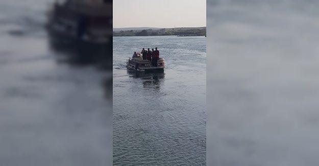 Arama çalışmaları devam ediyor: Fırat Nehri'ne atlayan gence 3 gündür haber yok
