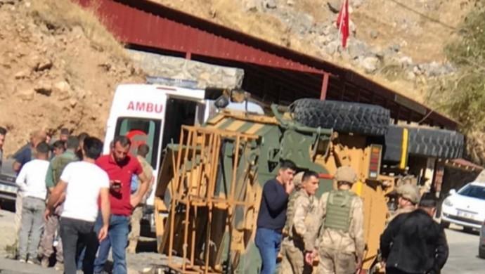 Askeri araç kaza yaptı: 4'ü ağır 11 asker yaralı