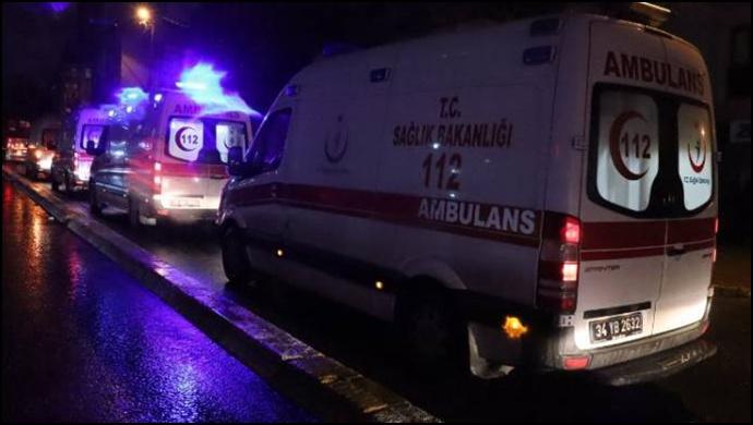 Bağcılar'da elektrik panosu patladı: Çok sayıda kişi zehirlendi