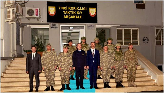 Bakan Akar, Akçakale'de Sınır Birliklerini Denetledi