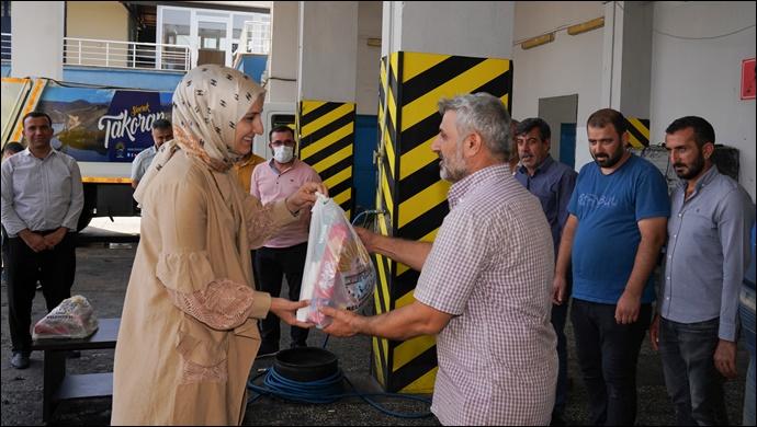 Başkan Ayşe Çakmak belediye personeliyle bayramlaştı