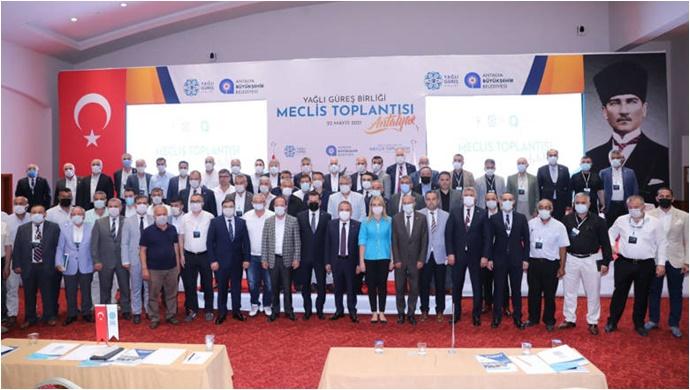 Başkan Böcek Yağlı Güreş Birliği Meclis Toplantısına Katıldı