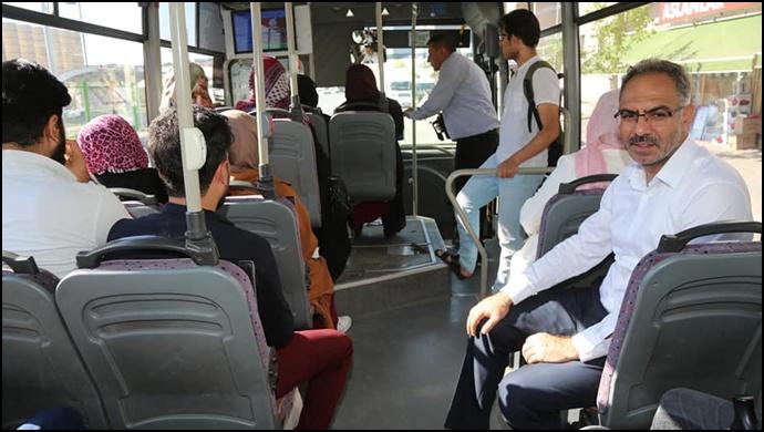 Başkan Kuş, Saha Gezilerine Halk Otobüsüyle Gitti