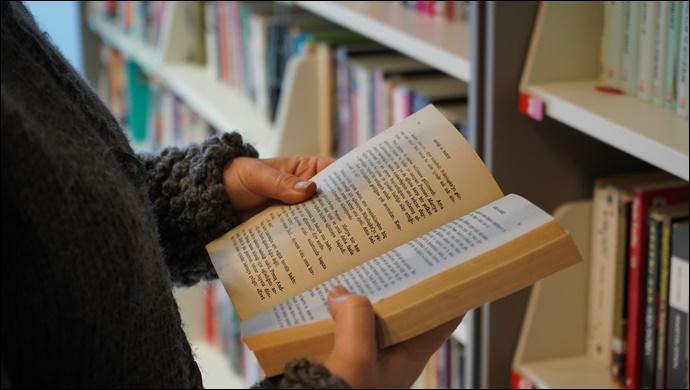 Belediye kütüphanesi pandemide de hizmette