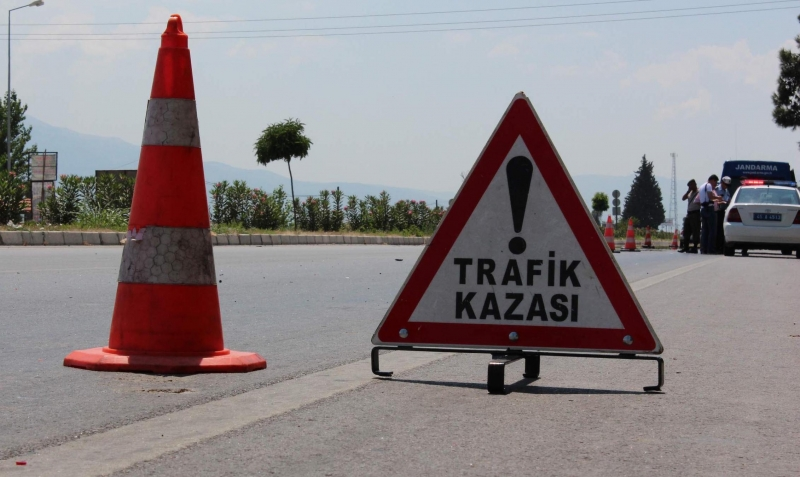 Bitlis'te trafik kazası: 1 ölü 5 yaralı