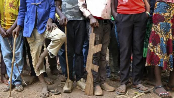 BM: Geçen yıl 8 bin 500 çocuk cepheye sürüldü