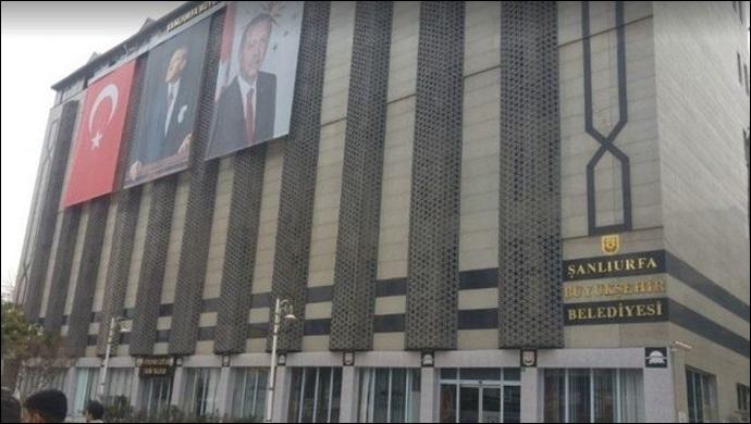 Büyükşehir Belediyesi'nde şok istifa! Başkan Beyazgül paylaştı