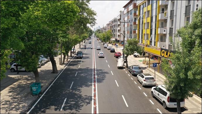 Büyükşehir'den Güvenli Ulaşım Ve Araç Trafiğinin Önüne Geçmek İçin Asfalt Seferberliği!