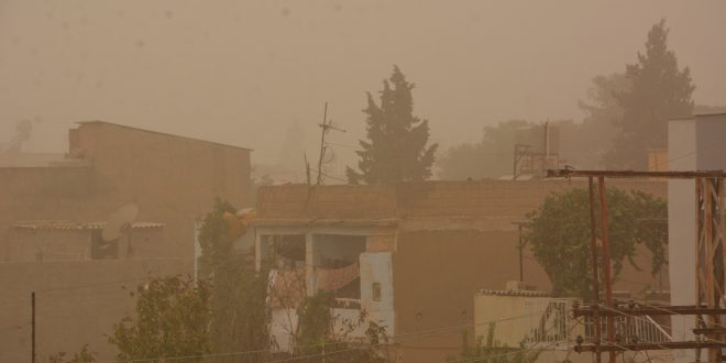 Ceylanpınar'da Toz Bulutu Hayatı Olumsuz Etkiledi