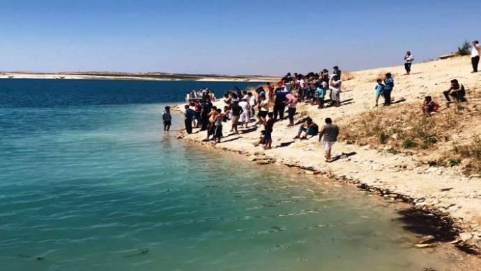 Çocuklarını kurtarmak isteyen 2 anne boğuldu