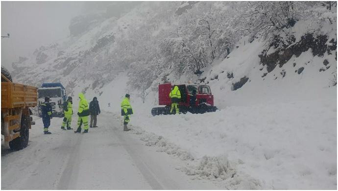Dersim'de kar yağışı: 104 köy yolu kapandı