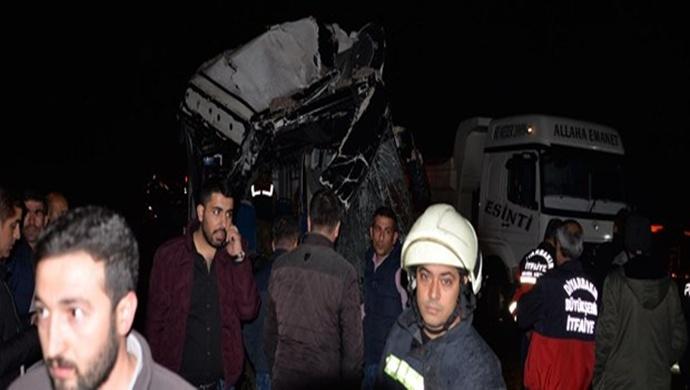 Diyarbakır'da Kaza: 5 Kişi Hayatını Kaybetti
