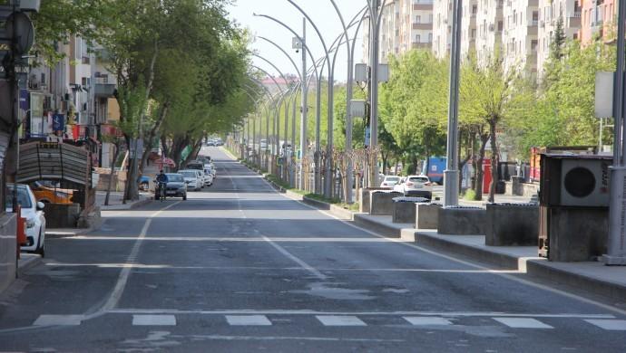 Diyarbakır'da yasak sonrası sessizlik