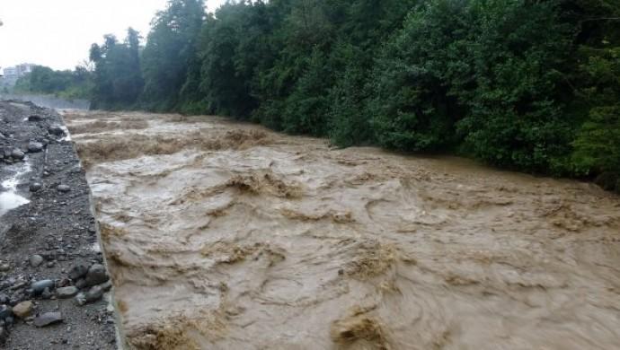Doğu Karadeniz sağanak yağış altında