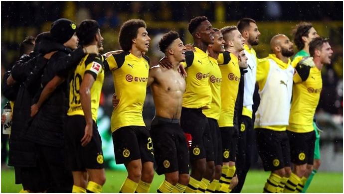Dortmund Bayern'i devirdi