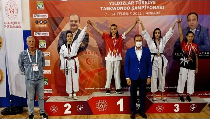 Duru Bulgur Performans Spor Kulübü sporcuları Taekwondo'da tarih yazdı