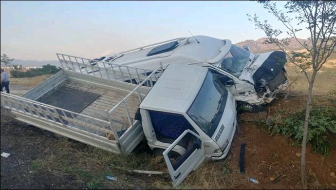 Elazığ karayolunda kaza: 20 yaralı