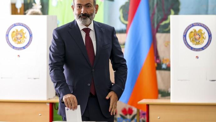 Ermenistan'da seçimleri Paşinyan kazandı