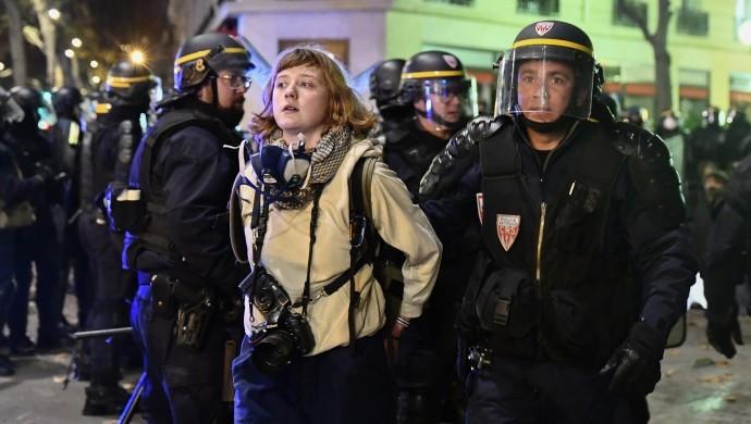 Fransa'da tartışmalı yasa tasarısı parlamentodan geçti
