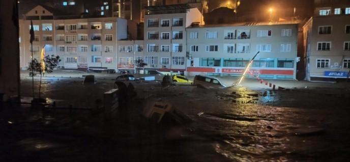 Giresun'da şiddetli yağış sele yol açtı