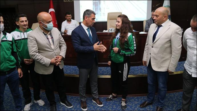 Gölbaşı Belediye Spor Kulübü Sporcusu İremsu İpek'e Başkan Şimşek'ten Tebrik…