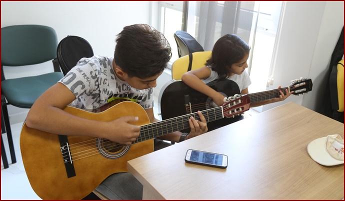 Haliliye Belediyesinde Gençler Müzik İle Tanışıyor