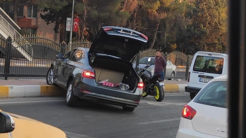 Haliliye'de zincirleme kaza: 4 araç birbirine girdi
