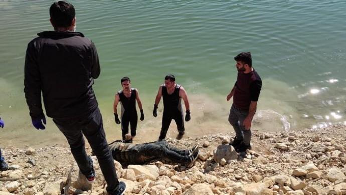 Hasankeyf'te bir erkeğin cenazesi bulundu