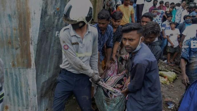 Hindistan'da muson yağmurları 23 can aldı