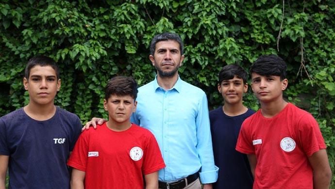 HÜDA-PAR'dan anlamlı ziyaret: Şampiyon mevsimlik işçi çocuklara ziyaret