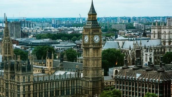 İngiltere'de 24 saatte 621 ölü