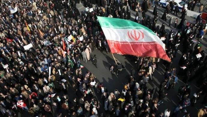 İran'da su protestolarında 3 kişi yaşamını yitirdi