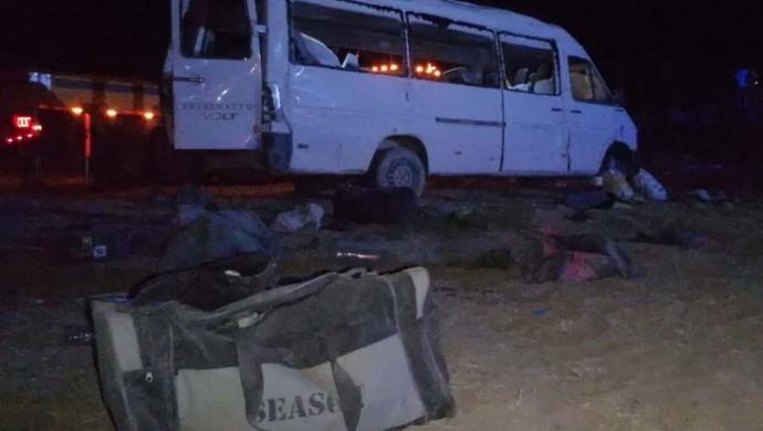 İşçileri taşıyan araç takla attı: 1 ölü, 14 yaralı