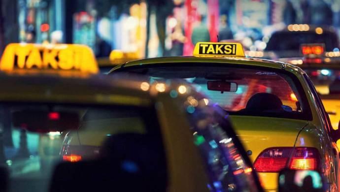 İstanbul'da taksimetre kuyruğu