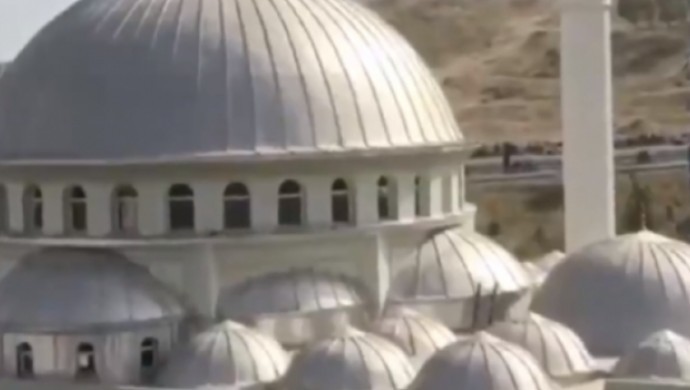İzmir'de cami hoparlöründen 'Çav Bella' çalındı