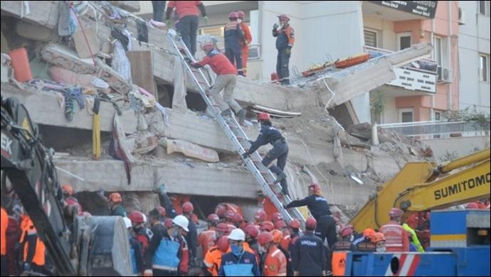 İzmir'de yaşamını yitirenlerin sayısı 79'a yükseldi