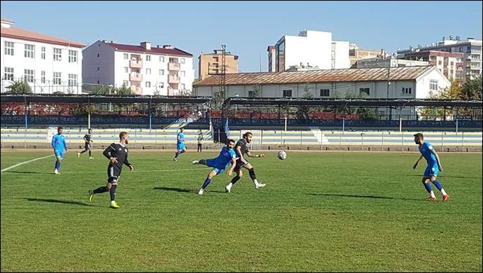 Karaköprü Belediyespor 3 puanı 3 golle aldı