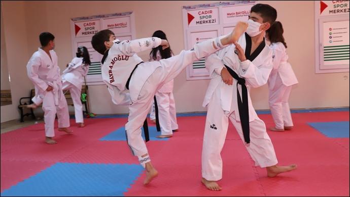 Karaköprü'de Çocuklar Tatili Spor Kurslarında Değerlendiriyor-(VİDEO)