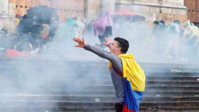 Kolombiya'da hükümet karşıtı eylemlerde 21 kişi öldürüldü