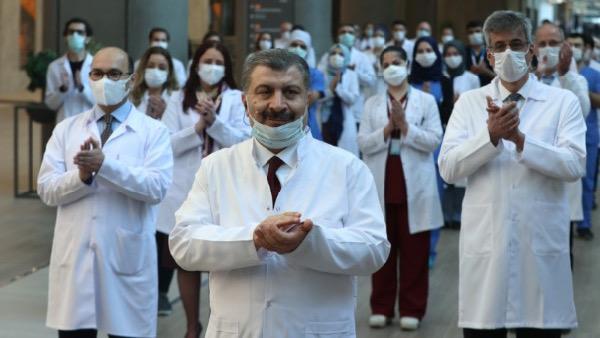 Koronavirüs salgınında ölenlerin sayısı 3 bin 520'ye ulaştı