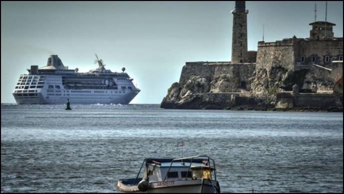 Küba'ya yaptırım: Son ABD gemisi adayı terk etti