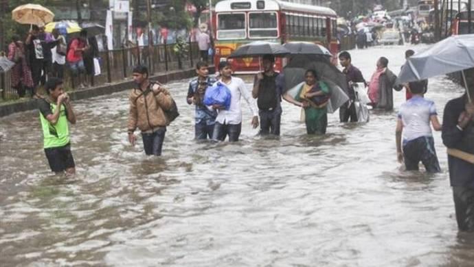 Muson yağmurları sonucunda 144 kişi hayatını kaybetti