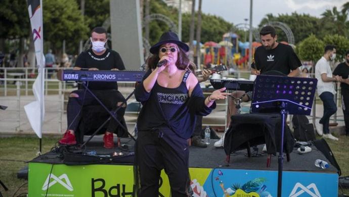 Müzik Hiç Susmasın Diye Mersin Büyükşehir Müzisyenlerin Hep Yanında