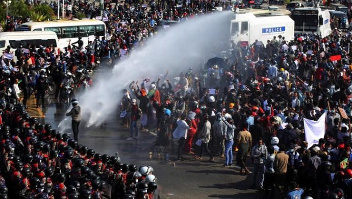 Myanmar'daki protestolarda 500'den fazla kişi hayatını kaybetti