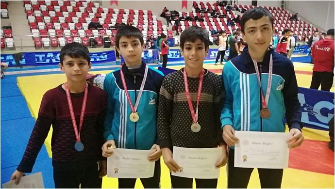 Okul Sporları Yıldızlar Kategorisine Şanlıurfalı Gençler Damga Vurdu-(Fotolu)